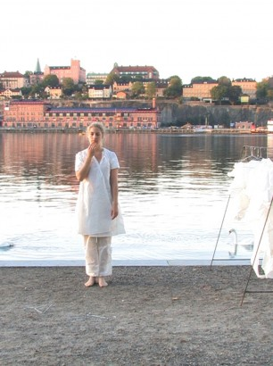 The Sara Hedberg Burning Cloths Show, picture of a still from film